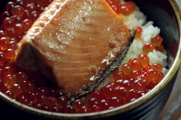 鮭料理|鮭いくら親子丼